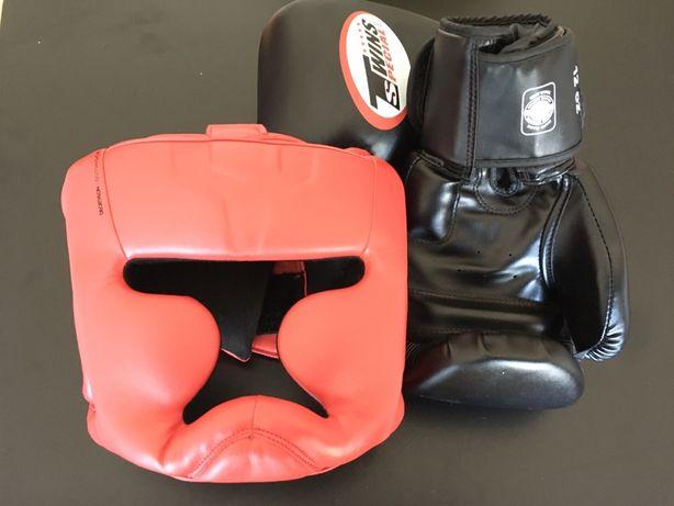 Conjunto luvas e capacete boxe