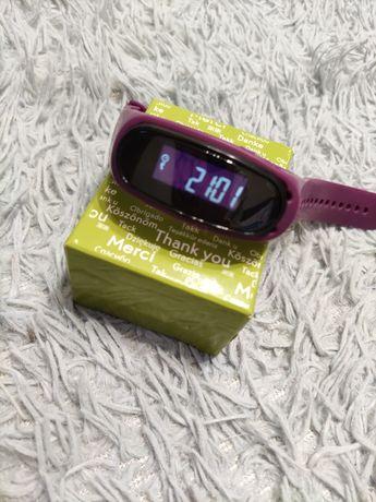Фитнес часы на батарейках