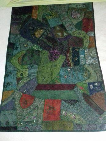 Tapeçarias étnicas artesanais Indianas muitas cores.