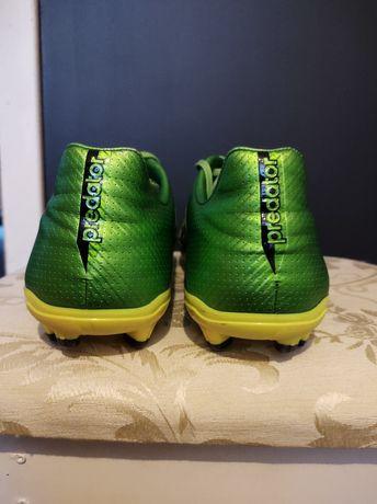 Adidas korki bardzo w dobrym stanie.