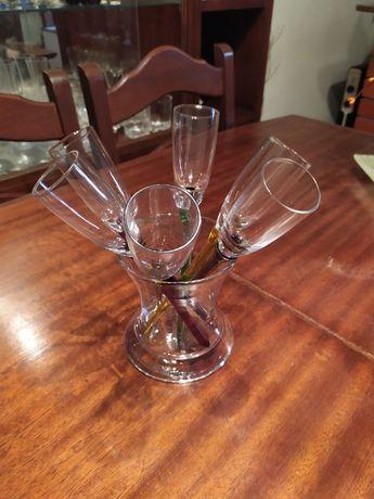 Conjuntos para champanhe e Vinho e chávenas