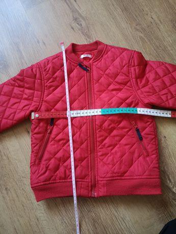 Czerwona kurtka wiosenna 110