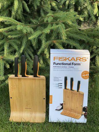 Набір ножів Fiskars з бамбуковою підставкою FF 1057553