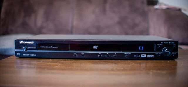 Odtwarzacz CD/DVD Pioneer DV-393 / MP3 / DTS/Pilot