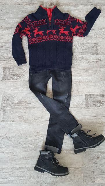 GAP очень красивый темно-синий свитер с оленями. Идеальное состояние