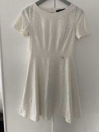 Kremowa sukienka z krótkim rękawem