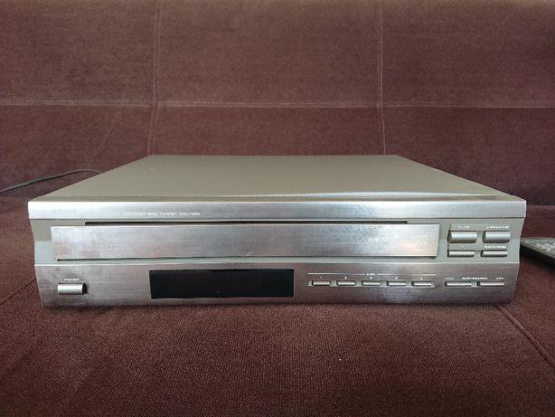 Odtwarczacz CD 5 płyt Yamaha CDC 565 z pilotem