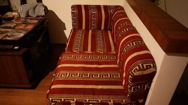 Продам диван-трансформер з трьох частин.