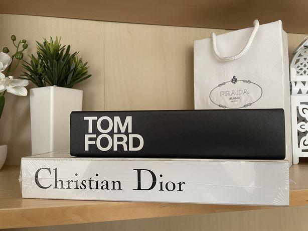 Livro decoração designer moda catwalk preto e branco selado