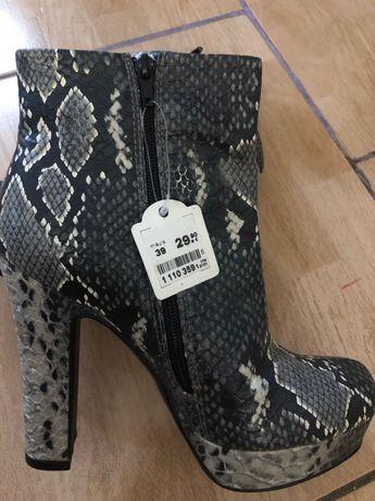 Женская обувь Рзмер 39 на 38