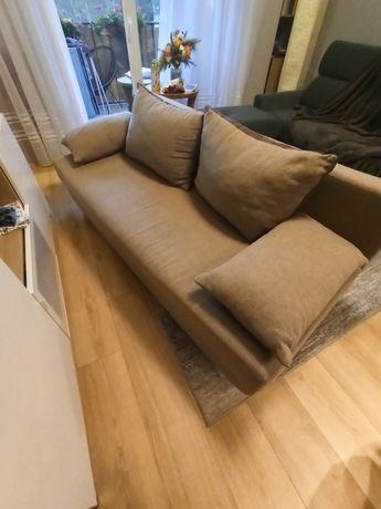 Sofa dwuosobowa z funkcją spania i pojemnikiem na pościel