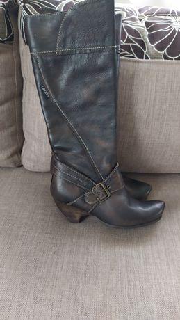 Осінні чобітки шкіряні нові