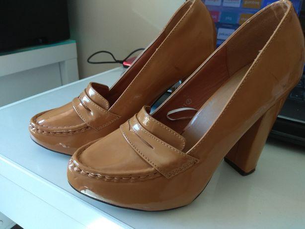 Pantofle retro
