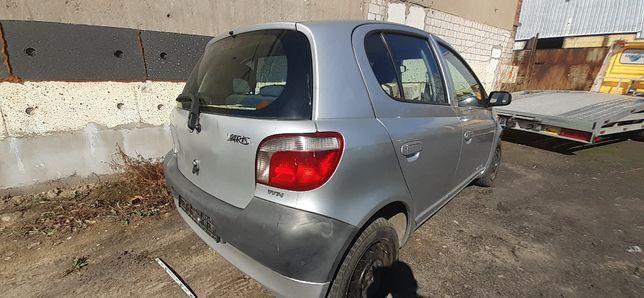 2002 Toyota Yaris 1,0 68KM 1SZ-FE kolor 199 Silnik skrzynia części
