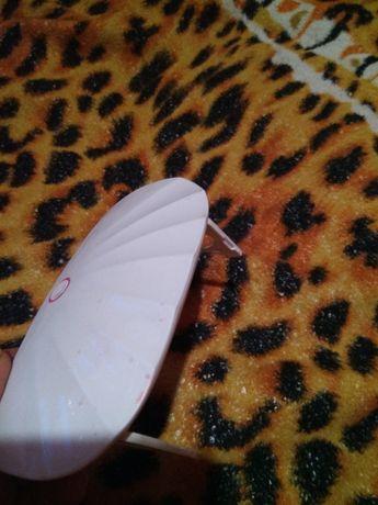 Лампа для ногтей и выравнивание волос