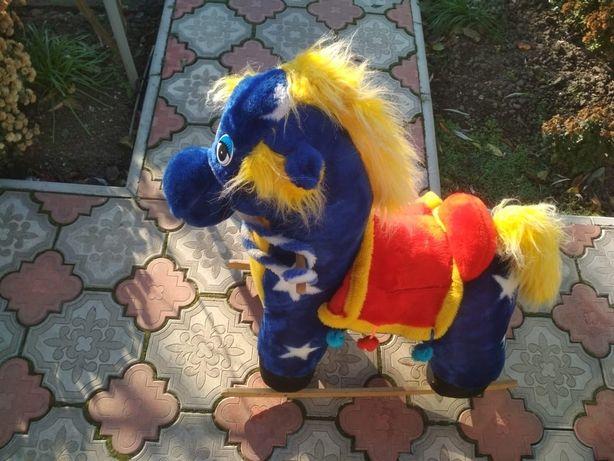 Детская качалка лошадка