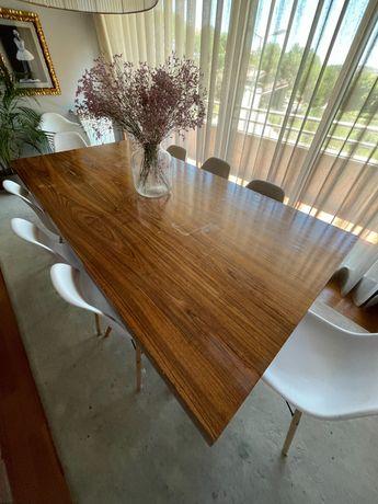 Mesa sala jantar Pau Ferro