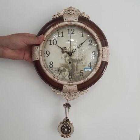 Часы настенные с маятником