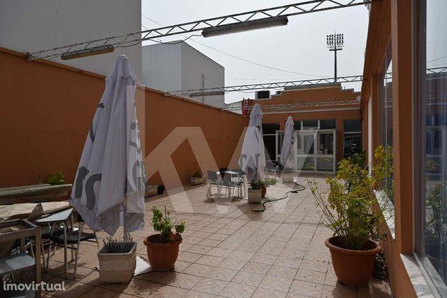 Restaurante/Churrasqueira na N125 em Olhão