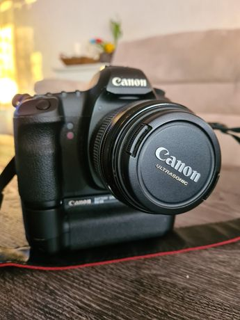 Canon 5D mk2, 24-70mm f/2.8 , 85mm f/1.8 , lampa 580EXII