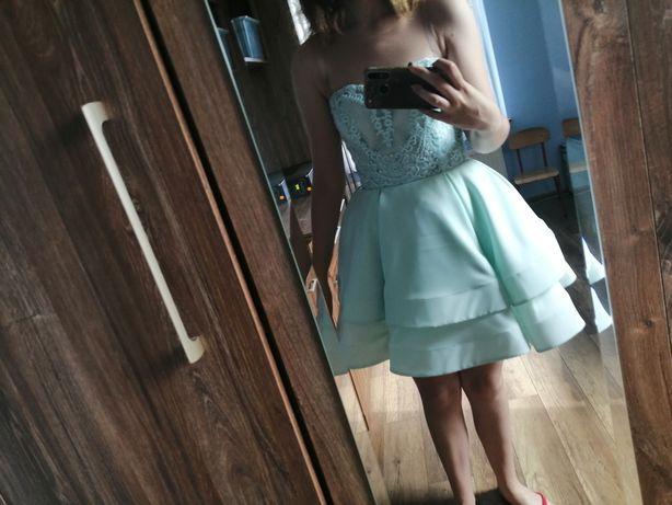Piękna sukienka balowa