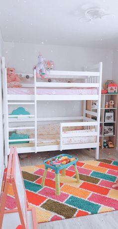 Двухъярусная кровать. Манеж. Двухярусная кровать из дерева