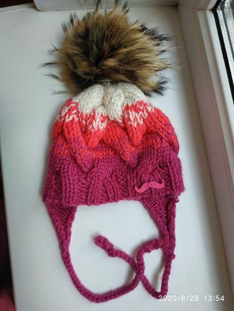 Демисезонная вязаная шапка на девочку на 6-12мес