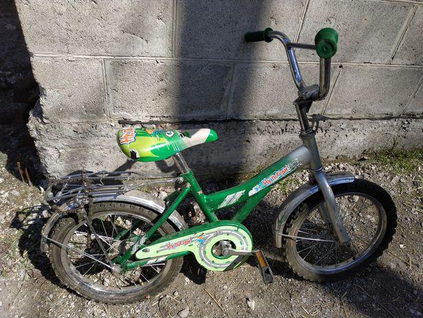 Велосипед с дополнительными колесами 16 дюймов