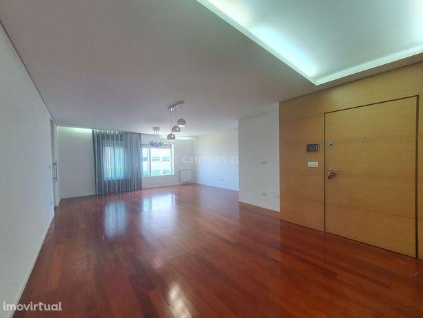 Excelente apartamento T3 para arrendamento no Antas Prestige