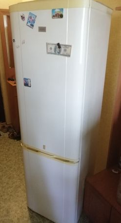 Холодильник Zanussi нерабочий