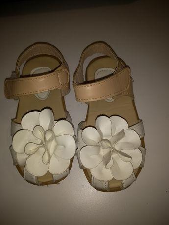 Sandały dziewczęca rozmiar 25