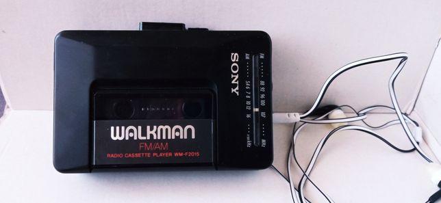 Walkman Sony z radiem sto procent sprawny ładnie gra wm-f2015 z 1990r
