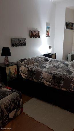 CACILHAS Apartamento arrendar T1