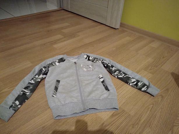 2 bluzy na chłopczyka w rozmiarze 110