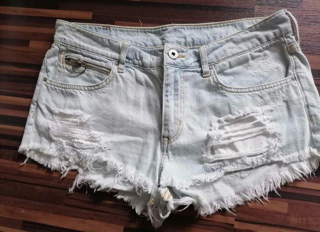 Krótkie spodenki szorty jeansowe dżinsowe z prset dziurami poszcz