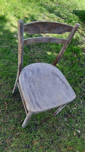 Stare krzesło kuchenne