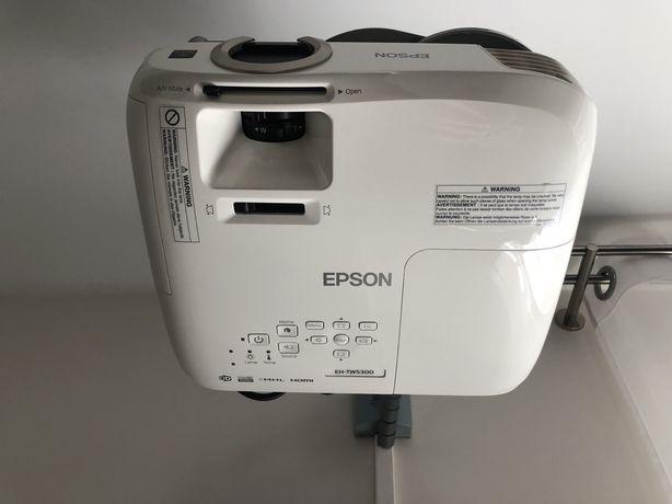 Projektor 3d Epson EH-TW5300 + ekran,wieszak,kable