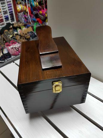 Drewniana szkatułka / Skrzynka na przybory do czyszczenia butów