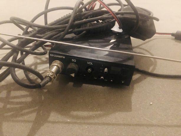 CB radio z anteną, sprawne