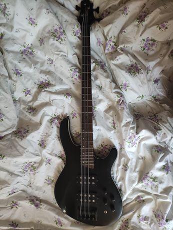 Gitara basowa Cort C4H
