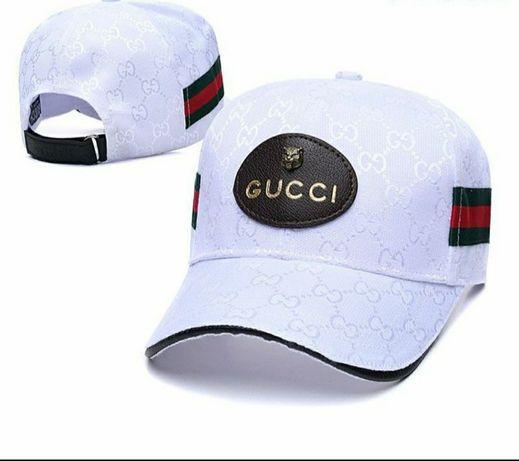 Czapka z daszkiem Gucci.