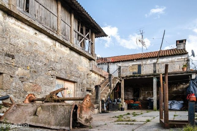 Quintinha tipicamente portuguesa Milhazes (Barcelos)