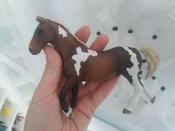 Koń schleich 18