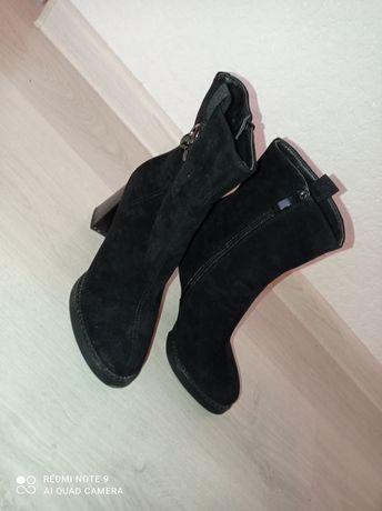 Сапожки взуття нове