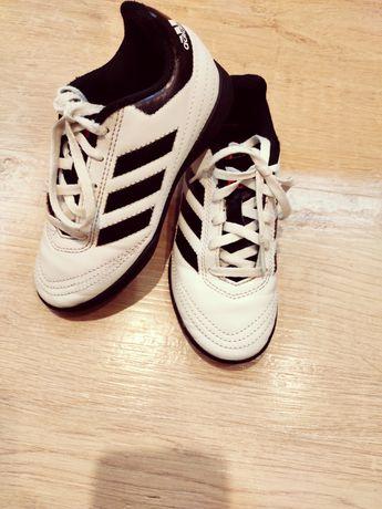 Кроссовки футзалки Adidas сороконожки