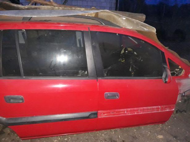 Prawe przednie drzwi Opel Zafira A 1999r wersja elegance