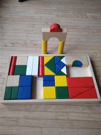 Drewniane klocki w pudełku