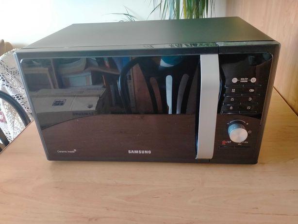 Kuchenka mikrofalowa Samsung MS23F301TFK. Prawie jak nowa!