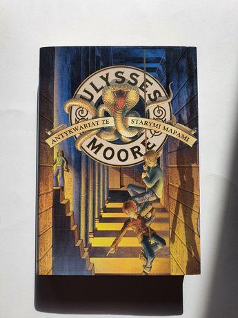 Książka Ulysses Moore antykwariat ze starymi mapami
