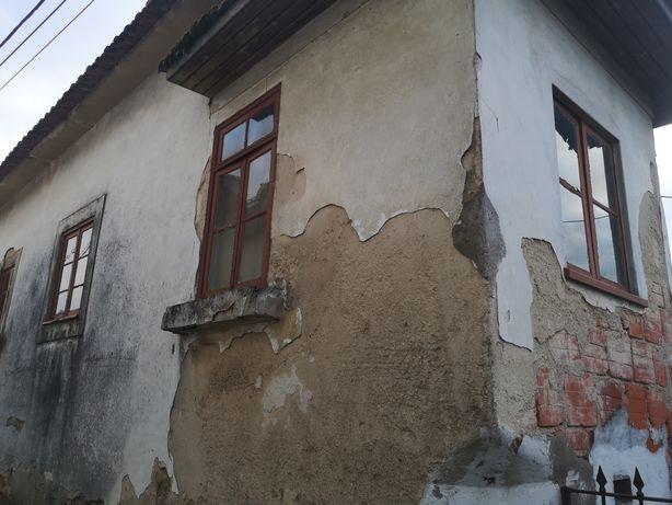 Imóvel para restaurar no concelho de S. Maria da Feira.